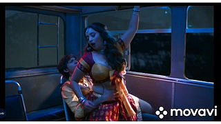 Sexy Bhabi Seducing In Bus