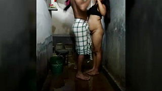 Indian Bangali Duo Sex In Bathroom