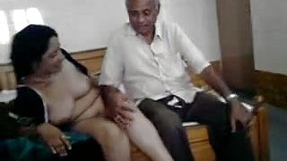 Hot desperate desi milf performance with oldman