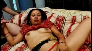 We have this sexy indian hottie having her way with 2 dudes as this babe begins giving blwojobs during the time that this babe is plowed by some other dick inside her soaked wet crack in this steamy trio