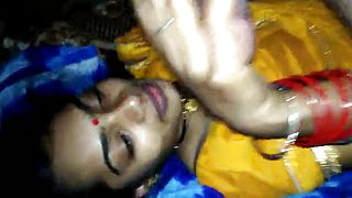 Desi Village Bhabhi Gives Blowjob